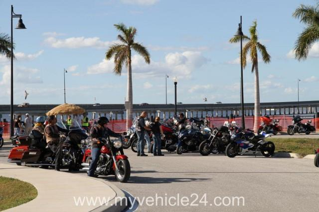 Pic 60 - 2012-12-02 Classic Car & Bike Show Punta Gorda - myVEHICLE24 - US-Cars, Muscle Cars, Classic Cars, Motorcycles & Boats